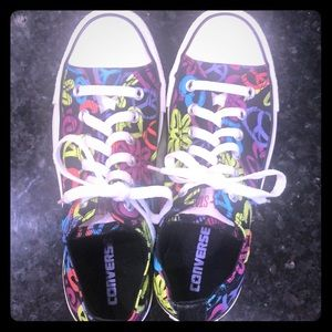Converse All Star ☮️, ❤️,🌸 Lo-Top Sneakers Sz 9